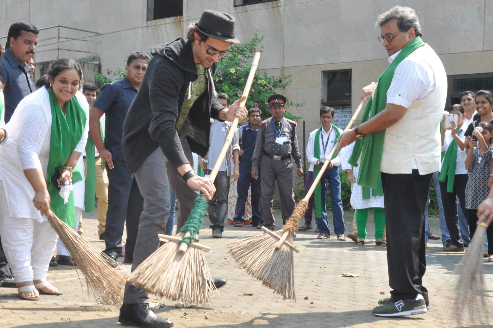 hruthik roshan on swachh bharat mission
