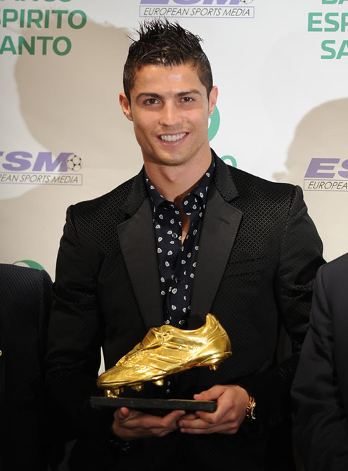 cristiano with golden shoe images